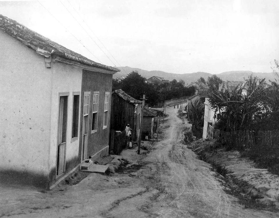 rua-antiga tubarao