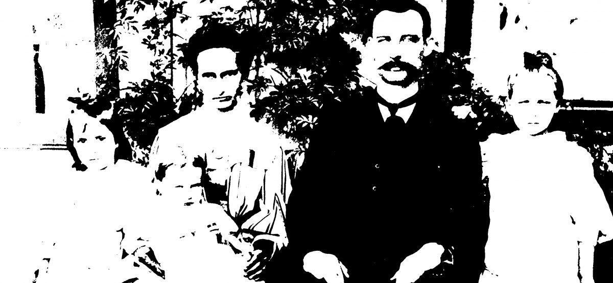Colorização de uma foto de família, ca.1913