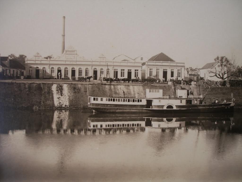 """Segundo Rene Hass: """"Foto 66: Uma fábrica em Montenegro, no Vale do Caí. Esse prédio ainda existe, porém está abandonado."""""""