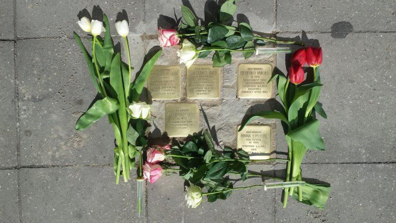 Pelas ruas de Berlim: Stolpersteine